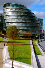 Londons City Hall en solig dag